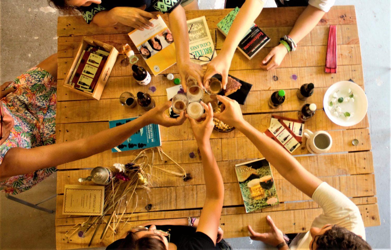 varies dones brindant cervesa ninkasi ecofeminisme